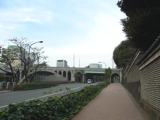2010111314-2.jpg